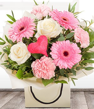 Mother's Day Flowers - Image of Simply The Best Bouquet at Oasis Flowers at Bromsgrove